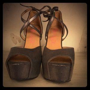 Women's sugar heels